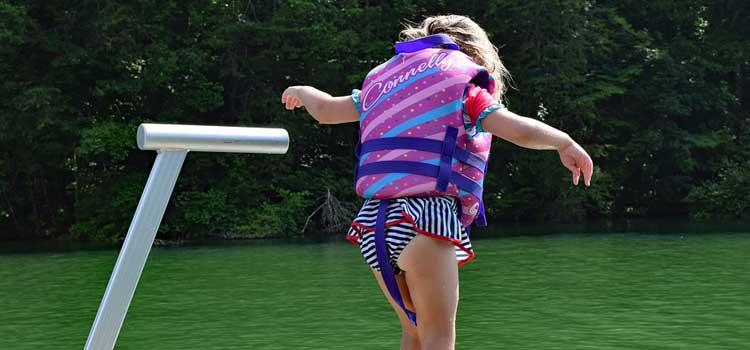 5 Valuable Tips To Consider When Picking The Best Infant Life Jacket